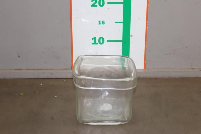 <h4>GLAS VIERKANT 13 CM</h4>