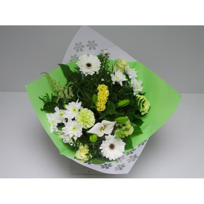 <h4>Bouquet Biedermeier Medium White</h4>