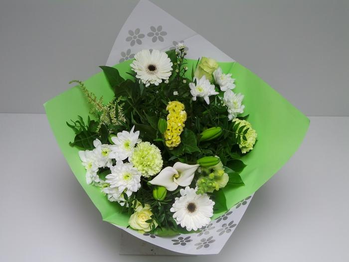 Bouquet Biedermeier Medium White