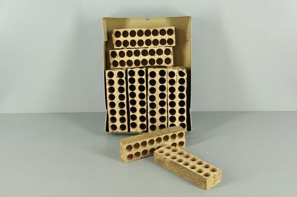 <h4>Cork Object 16 Holes</h4>