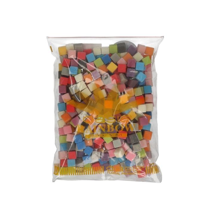 <h4>Oasis Color Cubes 2cm x300</h4>