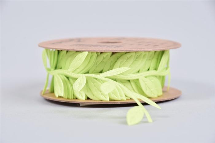 <h4>Lint Blad Satijn Groen P/4 2,3cmx5m</h4>