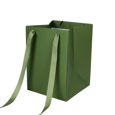 <h4>Bag Elegant carton 18x18xH25cm green</h4>