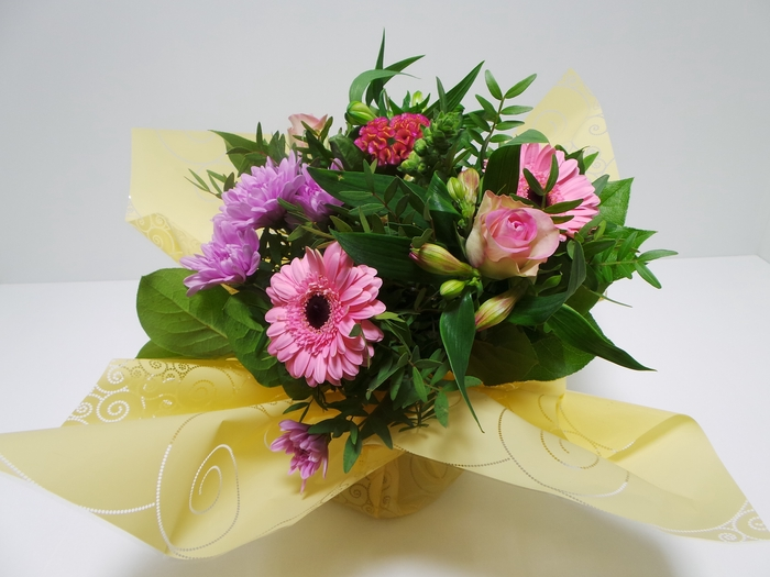 <h4>Bouquet Aqua Small Pink</h4>