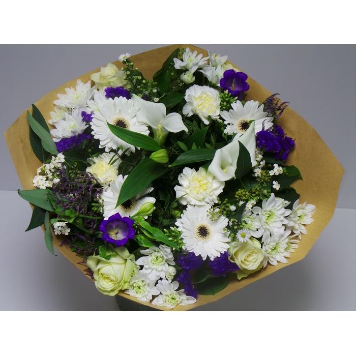 <h4>Bouquet Large Blue /White</h4>