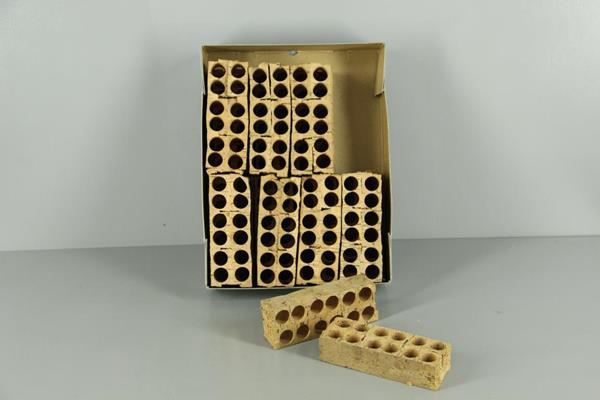 <h4>Cork Object 12 Holes</h4>