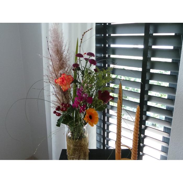 <h4>Bouquet Storm (with vase)</h4>