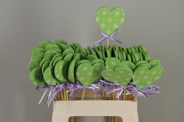 <h4>Stick Heart Wood+ribbon Green</h4>