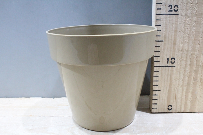 <h4>PLASTIC POT IBIZA H18 D20 CAFE LATTE 2424-002</h4>