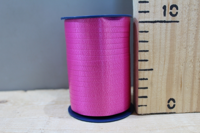<h4>CURLY RIBBON 5MM X 500M D.PINK 606</h4>