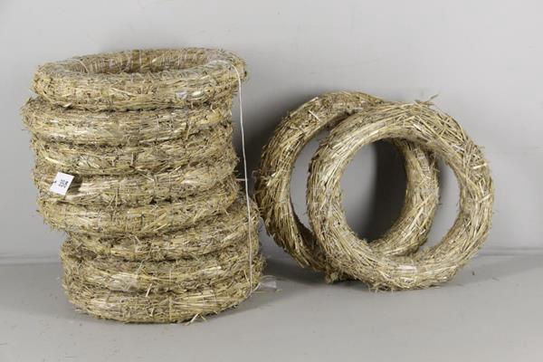 <h4>Wreath Straw 35/6cm</h4>