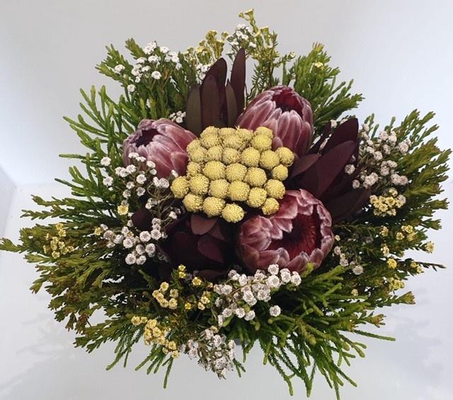 <h4>Bqt - Easter Bouquet Pink 3Protea (p/bnch)</h4>