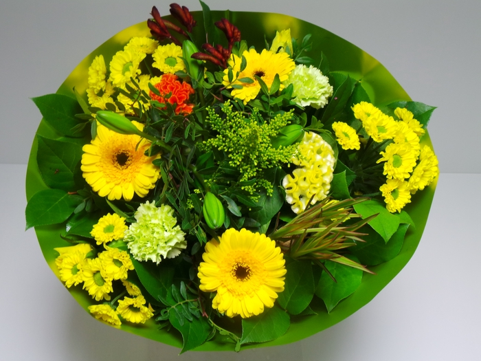 <h4>Bouquet Biedermeier Large Yellow</h4>