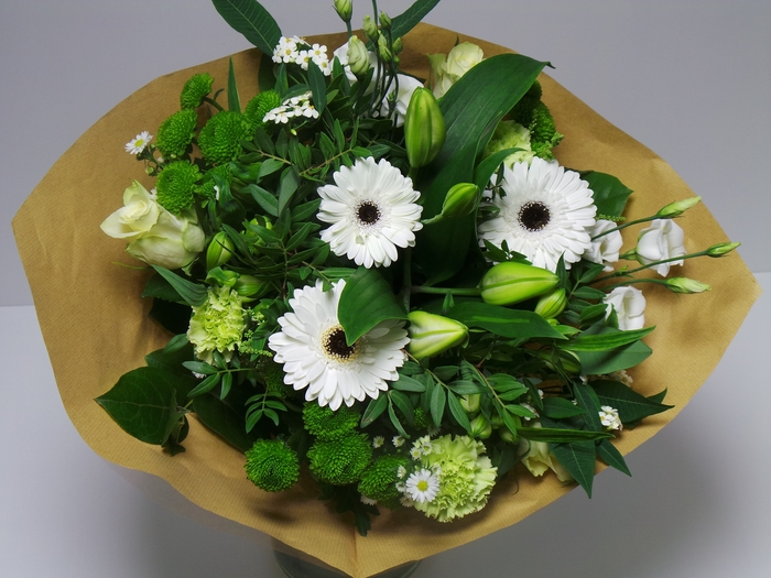 <h4>Bouquet Large White /Green</h4>