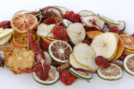 <h4>Basic Fruit Assortment W.spice 250g</h4>