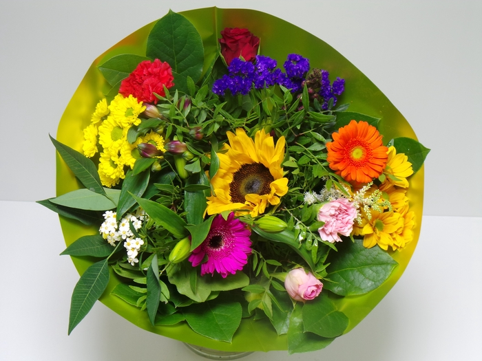 <h4>Bouquet Biedermeier Medium Mixed</h4>