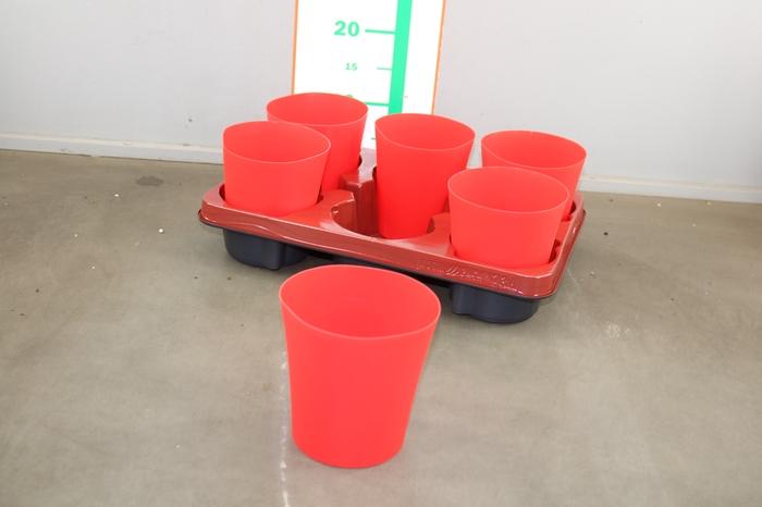 <h4>PLASTIC POT ROOD 12 CM</h4>