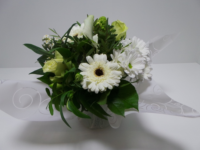 <h4>Bouquet Aqua Small White</h4>