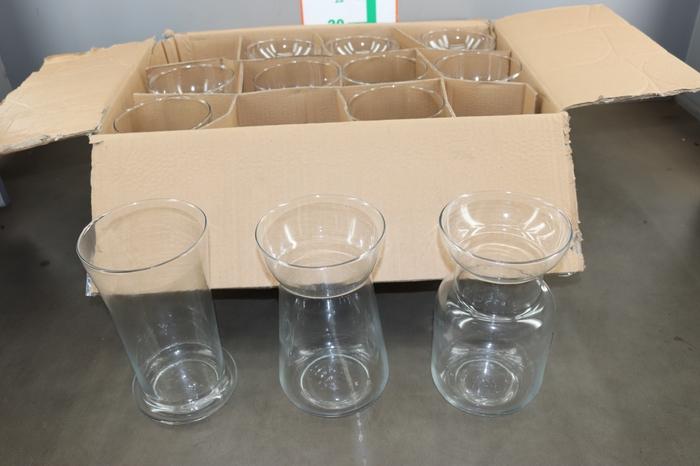<h4>GLAS VAAS 3 SOORTEN 30 CM</h4>